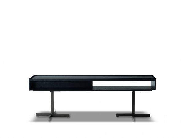 Minotti, Close